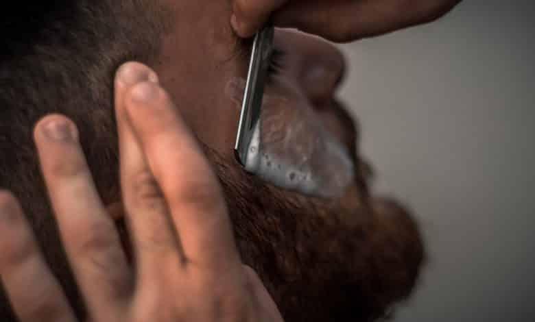 גילוח כדי להצמיח זקן מהר יותר